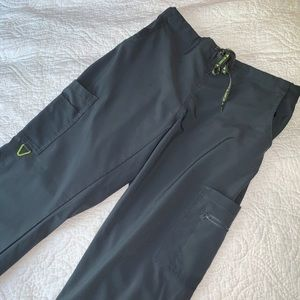 Like NEW Activate stretch multi pocket scrub pant